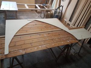 Kopfbänder für das Dach