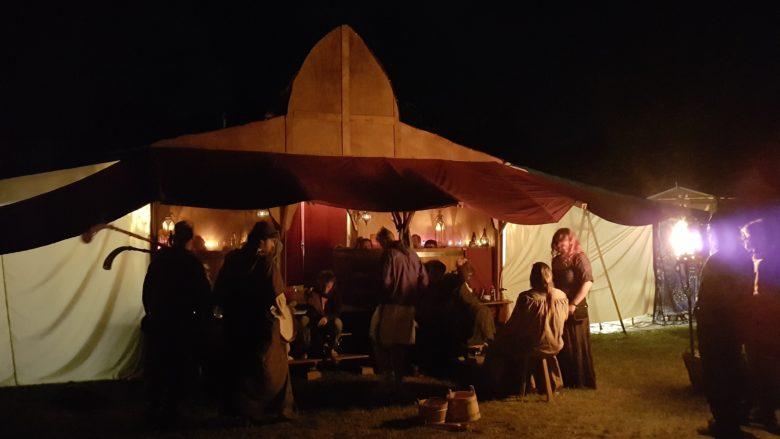 mittelalterliche Känge des Nachts am Badehaus